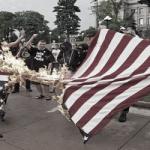 ترامپ دربارۀ پرچم سوزی: بحران دمکراسی امریکایی